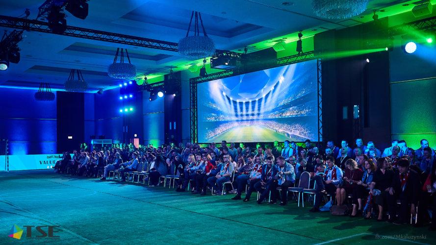 Projekcja 4K w trakcie konferencji sprzedaży