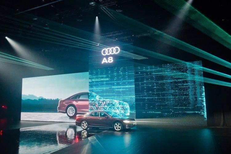 Premiera Audi Q8 z systemem BlackTrax od TSE Grupa