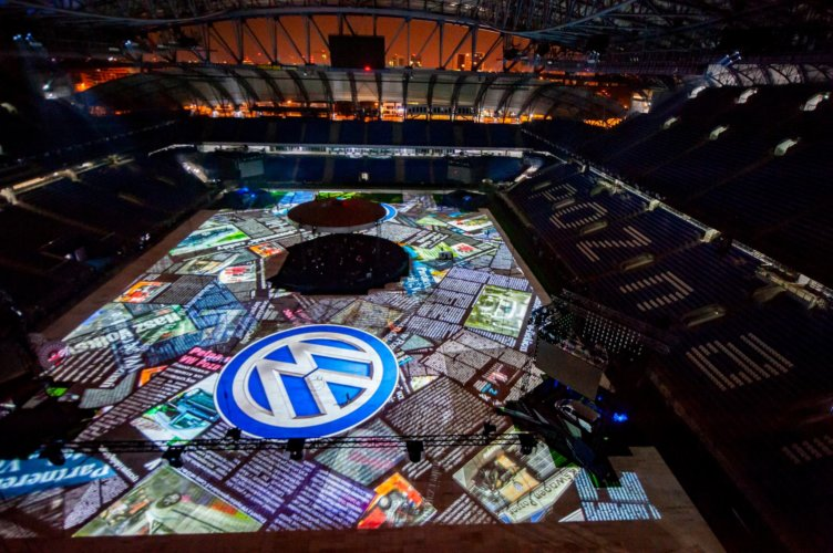 25 YEARS OF VOLKSWAGEN FACTORY IN POLAND – FIRST IN OUR COUNTRY PROJECTION ON THE FULL FLOOD OF THE STADIUM